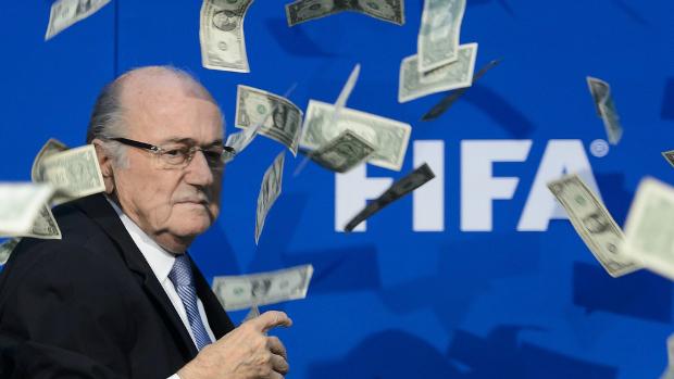 Blatter e i due milioni di franchi svizzeri